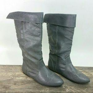 9 Gray SODA Flat Boots Like New